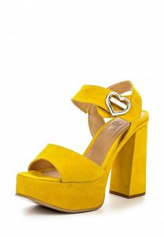 Босоножки, Love Moschino, цвет: желтый. Артикул: LO416AWOVR50. Премиум / Обувь / Босоножки