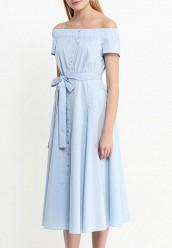 Оттопырилось платье